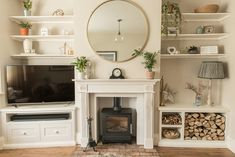 If you're looking for chimney breast and alcove ideas, you've come to the right place! There are so many ways you can decorate your chimney breast and alcoves affordably and practically, here's some examples. 1930s Living Room, Victorian Living Room, Cottage Living Rooms, New Living Room, Home And Living, Living Room Decor Uk, Alcove Ideas Living Room, Living Room Shelves, Living Room Storage