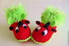 Купить Пинетки вязаные Божьи коровки детские носочки - коралловый, пинетки для новорожденных, пинетки вязаные