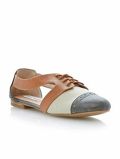 93e7b2679c2 Cori almond toe flat Oxford shoes French Connection