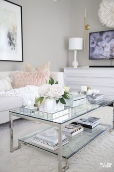 See these elegant Spring living room decorating ideas - 10 ways to give your living space a fresh, bright look for spring time! Grey Walls Living Room, Glam Living Room, Elegant Living Room, Paint Colors For Living Room, Room Colors, Living Rooms, Coffee Table Decor Living Room, Decorating Coffee Tables, Living Room Decor