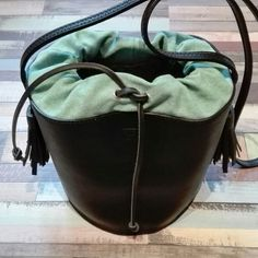We are proud to present the new TAMBURINO BAG by el Mato!! On etsy sooooon..