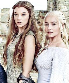 Natalie Dormer & Emilia Clarke Kino, Emilia Clarke Daenerys Targaryen, Game Of Throne Daenerys, Daenerys Targaryen Cosplay, Dany Targaryen, Hottest Game Of Thrones, Game Of Thrones Tv, Game Of Thrones Cosplay, Game Of Thrones Characters