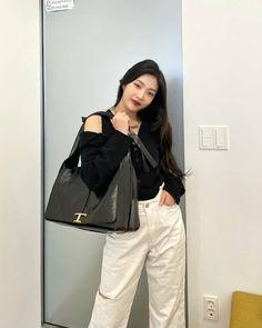 Fotoğraf - Google Fotoğraflar Fashion Tag, Daily Fashion, South Korean Girls, Korean Girl Groups, Joy Instagram, Red Velvet Joy, Airport Style, Kpop Girls, Korean Fashion