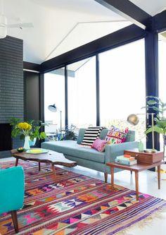 Color! Peruvian textiles!