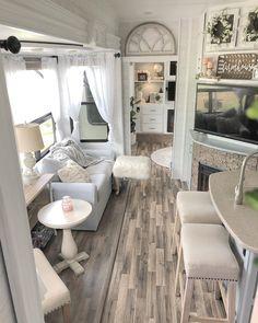 Tiny House Living, Rv Living, Motorhome, Rv Redo, Rv Trailers, Travel Trailers, Camper Makeover, Diy Camper, Camper Ideas