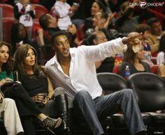 Scottie Pippen et sa femme Larsa lors d'un match entre le Heat de Miami et les Lakers de Los Angeles à l'American Airlines Arena de Miami le 4 mars 2010