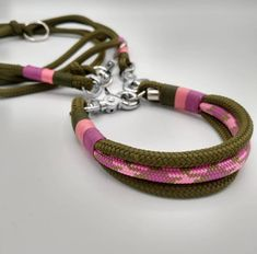 Diy Dog Collar, Dog Hotel, Small Stuff, Dog Products, Clutch, Bracelets, Dogs, Jewelry, Pet Accessories