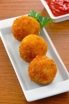 How to Make Arancine con Ragù (fried rice balls stuffed with meat ...
