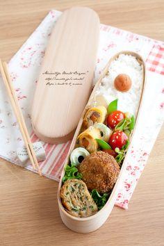 小松菜と豚ひき肉のカレーメンチカツ弁当。|あ~るママオフィシャルブログ「毎日がお弁当日和♪」Powered by Ameba