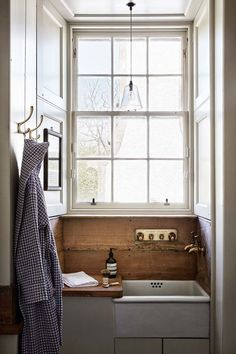 Butler Sink - Ideas for bathrooms - small and large cabinets, tiles, mirrors & storage - bathrooms on HOUSE by House & Garden Badezimmer Bad Inspiration, Bathroom Inspiration, Bathroom Ideas, Bathroom Small, Bathroom Designs, Bathroom Pink, Mosaic Bathroom, Vintage Bathroom Decor, Garden Bathroom