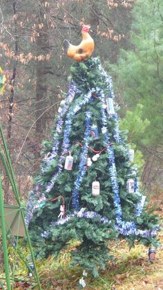The Most White Trash Christmas Trees In Existence | Happy Place