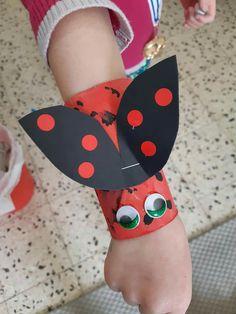 toilet paper roll bracelet for children