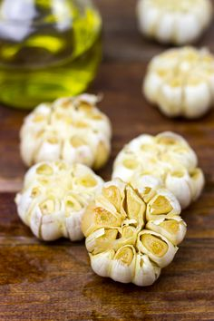 Roasted Garlic is incredibly easy to make. Roast up a double or triple batch and store it in the freezer for quick flavor boosts to your weeknight meals! Clean Eating Recipes, Cooking Recipes, Healthy Recipes, Cooking Tips, Healthy Dishes, Yummy Recipes, Healthy Food, Good Food, Yummy Food