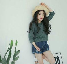 Park Eun Ji Fashion Kids, Korean Girl Fashion, Girls Fashion Clothes, Baby Girl Fashion, Cute Asian Babies, Korean Babies, Little Girl Models, Child Models, Ulzzang Kids