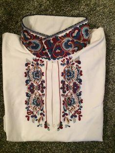 Skjorte og belte til beltestakk selges. Kun brukt tre timer. Jeg er svært glad i både beltet og skjorten, men fargene ble helt feil til livet (for meg). Håper noen kan ha glede av disse flotte tingene. Selges for 7000,- pr del. Cross Stitch Embroidery, Norway, Boho Shorts, Folk Art, Costumes, Fabric, Fashion, Hoods, Tejido