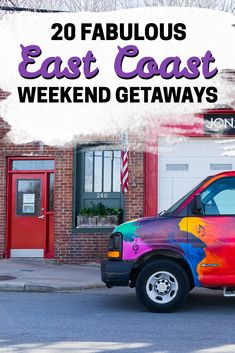 One of the best ways to rejuvenate after a long week in the office is by taking a relaxing weekend trip away. To help you plan your trip, we compiled this list of our favorite weekend getaways on the East Coast of the US! East Coast Tours, East Coast Usa, East Coast Travel, East Coast Road Trip, Cheap Weekend Getaways, Best Weekend Trips, Usa Travel Guide, Travel Usa, Travel Maine