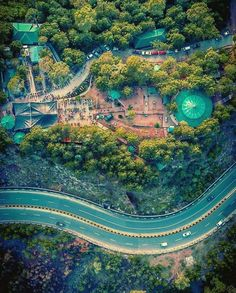 Brilliant beauty and view of beautiful Murree hill station Pakistan Murree Pakistan, Pakistan Travel, Cool Places To Visit, Places To Travel, Wonderful Places, Beautiful Places, Pakistan Pictures, Heaven On Earth, Tourism