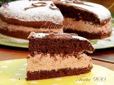 Torta 900, morbida base al cacao amaro, farcita con una golosissima crema a base di mascarpone, panna montata e cacao. Un dolce fantastico!
