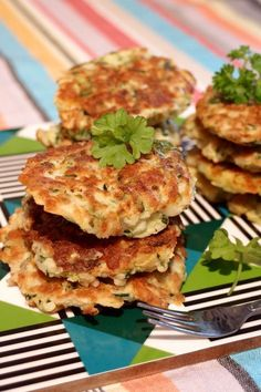 Ovo Vegetarian, Vegetarian Recipes, Healthy Recipes, Healthy Food, Halloumi, Swedish Recipes, Fritters, Salmon Burgers, I Foods
