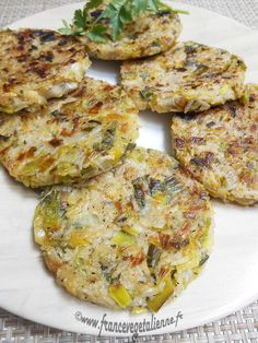 Leek patty (vegan, vegan) - Vegan France - Excellent (completed) *** … presented by Léna In March the leek is unavoidable, but we are start - Vegetable Soup Healthy, Healthy Soup, Healthy Dinner Recipes, Soup Recipes, Healthy Eating, Cream Recipes, Vegetarian Cooking, Vegetarian Recipes, Vegan Recetas