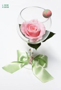 grande rose ternelle sur tige couleur rose tendre fleurs et plantes stabilis es ternelles. Black Bedroom Furniture Sets. Home Design Ideas