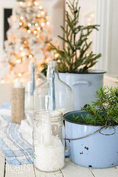 french-farmhouse-christmas-home-tour-living-room-29
