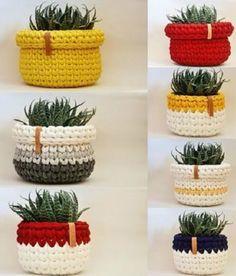 Como Fazer Cesto de Fio de Malha: 31 Estilos com Passo a Passo Crochet Bowl, Crochet Basket Pattern, Crochet Diy, Crochet Gifts, Crochet Patterns, Crochet Baskets, Knit Basket, Crochet Ideas, Crochet Decoration