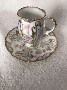 Try These Great Ideas For A Perfect Cup Of Coffee - Ultimate Coffee Cup Vintage Cups, Vintage Tea, Teapots And Cups, Teacups, China Tea Cups, Perfect Cup, Tea Service, Tea Cup Saucer, Mug Cup
