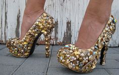 "41DS - SHAUNIE O'MY 6"" golden studded and  Swarovski champagne"