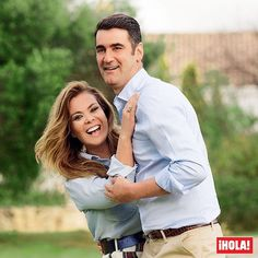 '¡Nos volvemos a casar!' nos confiesan Jesulín de Ubrique y María José Campanario en exclusiva en las páginas de la revista ¡HOLA! de esta semana. Será así, reafirmando su amor y en medio de la enfermedad crónica que ella padece, como celebrarán su 15º aniversario de boda. #jesulindeubrique #mariajosecampanario #hola #revistahola