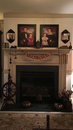 Primitive Fireplace, Primitive Living Room, Country Living Rooms, Primitive  Antiques, Country Primitive, Fireplace Mantels, Primitive Decor, Mantles  Decor, ...