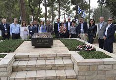 Essa viagem é uma imersão de estudos que reforça os laços e compromissos com o judaísmo, com o Estado de Israel e a com vida contemporânea da diáspora.
