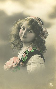 Vintage Children Photos, Vintage Postcards, Photo S, Little Girls, Teen, Crown, Female, Retro, Babies