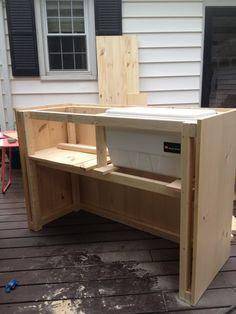 DIY Outdoor Bar with built in cooler Outdoor Bar Cart, Outdoor Patio Bar, Outdoor Kitchen Bars, Backyard Bar, Outdoor Kitchen Design, Diy Patio, Outdoor Living, Rustic Outdoor, Patio Table