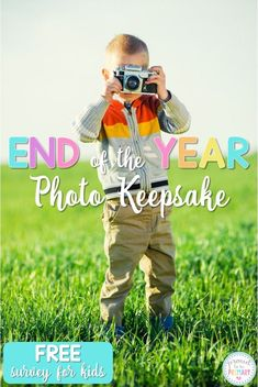 Looking for special keepsake idea for students for the end of the school year? Teachers and kids will love this fun photo idea. Includes a FREE printable survey to get teachers organized and kids writing! #photokeepsake #endoftheyearactivities #endofschool #studentgifts