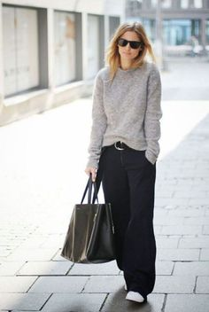 Pullover, weite schwarze Hose Grauer Pullover, weite schwarze Hose Grauer Pullover, weite schwarze Hose NEW Loose Black Pants / Wide Leg Pants /Extravagant Trousers Fashion Mode, Look Fashion, Fashion Blogger Style, Street Fashion, Winter Fashion, Fashion Black, Weekend Fashion, Classic Womens Fashion, Trendy Fashion