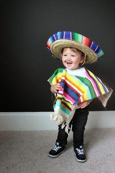 DIY COSTUME FOR LITTLES  MEXICAN SERAPE Niña Mexicana 384c78db98f