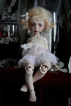 Fantasy | Whimsical | Strange | Mythical | Creative | Creatures | Dolls | Sculptures | Dust of Dolls