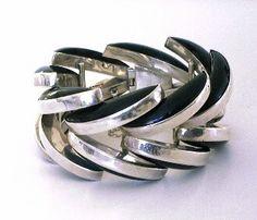 Sterling & Black Onyx Bracelet by Antonio Pineda, ca. Modern Jewelry, Metal Jewelry, Jewelry Art, Sterling Silver Jewelry, Antique Jewelry, Vintage Jewelry, Silver Jewellery, Handmade Jewelry Bracelets, Silver Bracelets