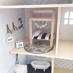 Second bedroom reno ⚫️⚪️ #milasdollhousereno