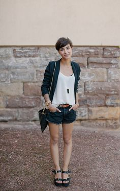 what to wear with short hairstyle