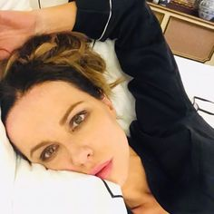 Most girls have an inner Lindy ❤️/🖤 Kate Beckinsale, Beautiful Actresses, Girl Pictures, Beautiful Women, Personal Care, Shit Happens, Lady, Inspiration, Movies