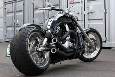 http://wwwblogtche-auri.blogspot.com.br/2012/10/bad-land-motocicletas.html  Bad Land motocicletas