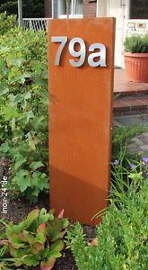 frei stehender, rostiger briefkasten aus stahl oder cortenstahl, Garten und bauen