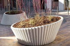 Lena  planter   reinforced cast stone  manuel ruisanchez arquitecte  escofet/landscape forms