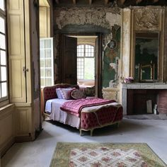 This castle is almost ready to welcome you into a fairytale fantasy Country Interior, French Interior, French Chateau Homes, Chateau De Gudanes, French Castles, Interior Decorating, Interior Design, Dream Apartment, French Country Decorating