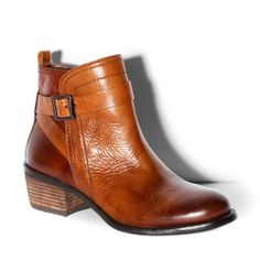 BEAMER Vince Camuto  such a warm carmel color will mirror the fall leaves, and an stylish low heel option for moms like me!
