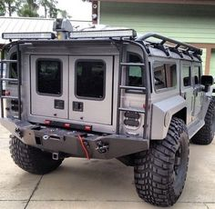 Hummer with Exoskeleton. Custom plate steel body panels and bumper. Self healing tire sidewalls. Auto Jeep, Hummer H1, Cool Trucks, Cool Cars, Offroader, Bug Out Vehicle, Zombie Vehicle, Expedition Vehicle, Dodge Trucks