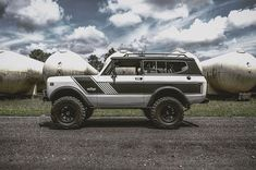Seeing classic cars often brings back childhood memories. I have many with my father in his old rigs but Id rather hear yours today. #overlandkitted @rkf0901 http://ift.tt/2p8PNFj