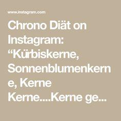"""Chrono Diät on Instagram: """"Kürbiskerne, Sonnenblumenkerne, Kerne Kerne....Kerne gehen immer! 😋😉 ____________________________________  Thunfisch Salat mit Äpfeln…"""" Photo And Video, Instagram, Sunflower Seeds, Tuna"""